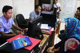 KBRI jenguk 141 TKI yang ditahan imigrasi Malaysia