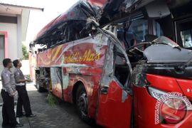 Sembilan jenazah korban kecelakaan Probolinggo diambil keluarganya