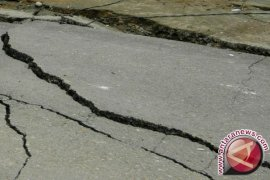 Gempa 5,7 SR Timbulkan Kepanikan dan Kerusakan di Kota Ambon