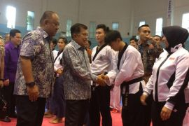 Wakil Presiden tinjau pusat pelatihan taekwondo Cibubur