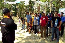 KPH Parengan Tuban Cari Lokasi untuk Menikmati Matahari Terbit (Video)