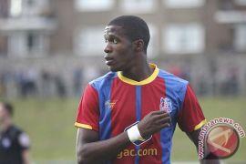 Ladeni Huddersfield, penyerang Palace Zaha kembali berlatih