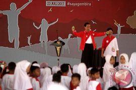 Bersulap pada Hari Anak, Jokowi mengaku Kaesang guru sulapnya