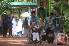 Calon haji Sukabumi tertua berusia 86 tahun
