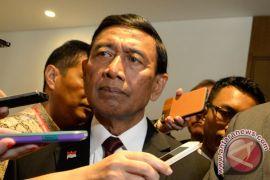 Wiranto: pendatang yang disandera dikembalikan ke asalnya