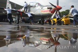 Tradisi Mencuci Pesawat Tempur