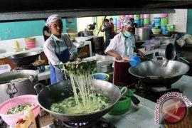 Petugas katering Embarkasi Jakarta-Bekasi keluhkan kerusakan cerobong