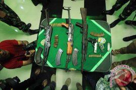 Tiga pucuk senpi TNI dirampas KKSB Papua