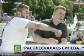 Reporter TV Rusia dijotos saat siaran langsung
