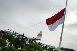 DPD Golkar Singkawang Kibarkan Bendera Setengah Tiang