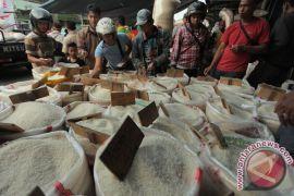 Pedagang beras Cipinang keluhkan HET