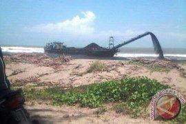 Aktivis Lingkungan Bengkulu Kecam Penumpahan Batu Bara