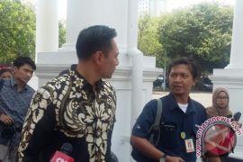 AHY akui bawa pesan SBY untuk Jokowi
