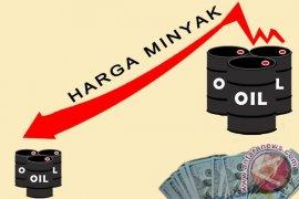 Harga minyak anjlok hingga 7,1 persen
