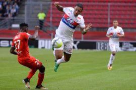 Gol dramatis Depay antar Lyon menang 2-1 atas PSG