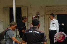 Polisi tangkap terduga teroris di Surabaya