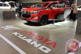 Menyusuri perjalanan 40 tahun Toyota Kijang lewat GIIAS 2017
