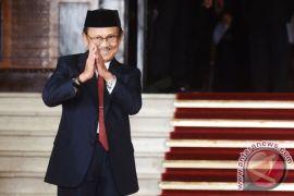 Kemarin Jokowi kirim dokter untuk Habibie, arca dewa ditemukan di Tulungagung