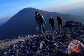 ESDM: Status Gunung Agung Turun Menjadi Siaga