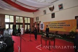 Risma Mutasi 21 Pejabat Pemkot Surabaya