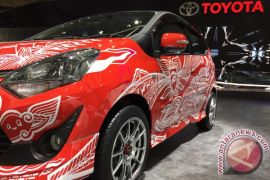 Toyota Agya dengan doodle Kemerdekaan RI