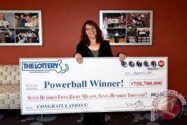 Ibu ini kaya mendadak, menang lotere Rp10,13 triliun