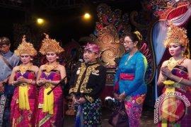 """Kegiatan """"Timeless Indonesia Festival 2017"""" Ditutup Tari Barong (Video)"""