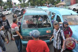 Sopir angkot di Malang akan mogok massal tolak angkutan online, Wali Kota pusing