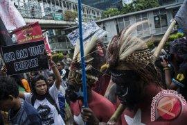 Demi masyarakat Papua, divestasi Freeport harus selesai 2018
