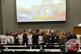 Kepala Dinas Kesehatan TNI AL paparkan kesehatan gigi militer di Madrid