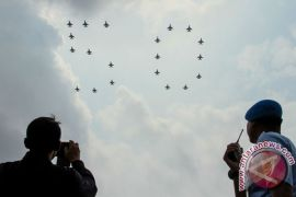 F-16 Fighting Falcon Indonesia-Singapura selesaikan formasi RISing 50