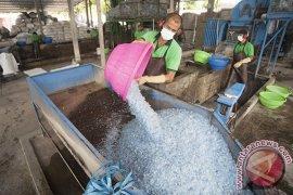Dukung Lingkungan Berkelanjutan, Aqua kurangi pemakaian plastik