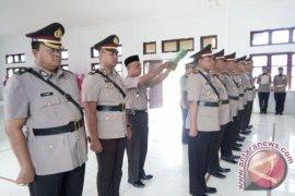 12 Perwira Polres Aceh Singkil disertijabkan