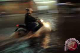 Padang antisipasi banjir