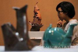 Mahasiswa STKW Surabaya Unjuk Karya Keramik