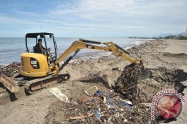 Bantul operasionalkan alat evakuasi sampah wisata