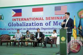 Seminar keamanan dunia maya hingga LKMM TM Nasional