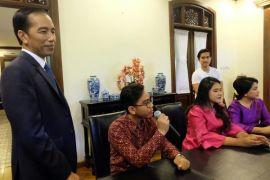 Putri Presiden Jokowi akan menikah hingga Gunung Agung Bali lebih aktif