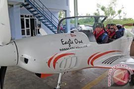 Pesawat gubernur Aceh mendarat darurat di bibir pantai