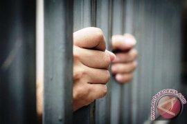 Hakim vonis pengguna narkoba dua tahun penjara