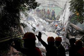 Meksiko cari penyintas gempa, berpacu dengan waktu