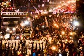Ribuan Warga Tebas Ikuti Pawai Taaruf Muharram