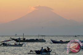 BNPB tegaskan pariwisata Bali tak terganggu erupsi Gunung Agung