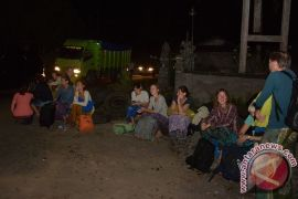 Karang Taruna bantu pengungsi Gunung Agung