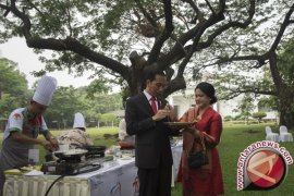 Saat Presiden Jokowi mampir ke festival kuliner