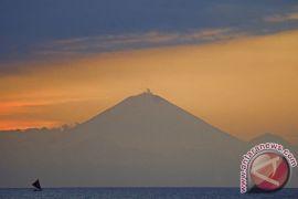 UGM petakan kawah Gunung Agung pakai drone
