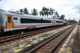 Opsi revitalisasi jalur KA semicepat Jakarta-Surabaya diputuskan Maret