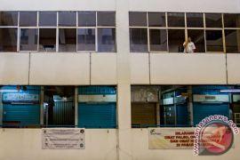 Pemkab Cianjur membantah, tapi pemilik kios sodorkan bukti pungutan