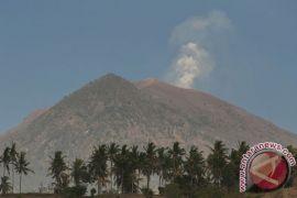 Gunung Agung ditutup, kunjungan wisatawan ke Mataram meningkat