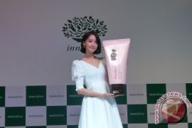 Gaya Yoona SNSD tampil solo perdana di Jakarta